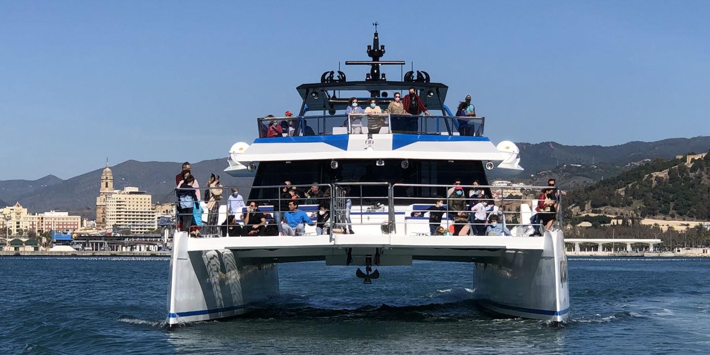 fly-blue-malaga-catamaran-paseos-barco-quattro.jpg