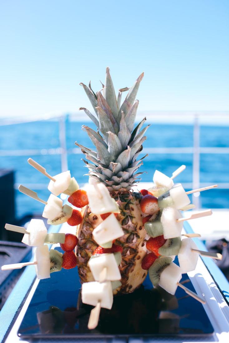 pincho-frutas-evento-catering-malaga-barco.jpg